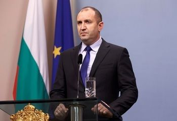 Rumen Radev: Resignations, giving away money and postponements should not be used to put off fires